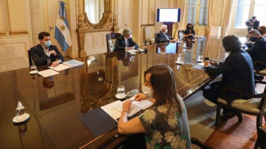 El presidente Alberto Fernández, encabezó reunión del comité de vacunación contra coronavirus. Foto: gentileza Casa Rosada.-