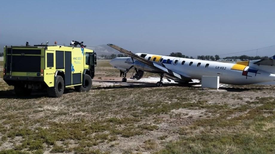Accidente de un Metroliner en Mendoza esta mañana, donde la tripulación resultó ilesa.  Foto: gentileza Argentina Spotters.-