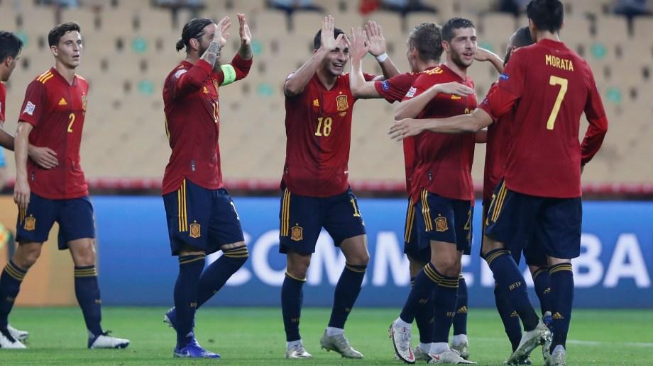 Ferran Torres fue la figura con tres goles. (Foto: AP)