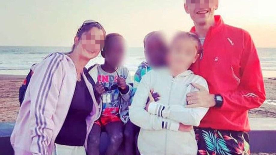La familia que adoptó a los mellizos africanos se había radicado este año en San Martín de los Andes. (Foto: facebook)