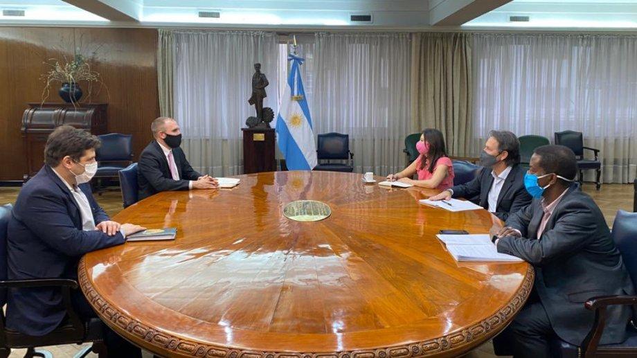 El ministro de Economía habló sobre el acuerdo en su cuenta de Twitter.