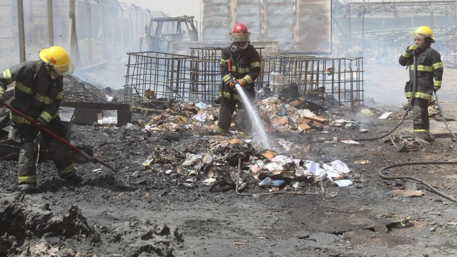 """""""En diez minutos"""" se quemó por completo el invernadero de hidroponia. (Foto archivo: Gentileza Centenario Digital)."""