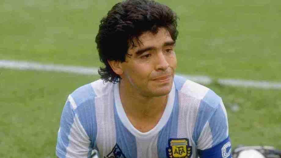 Diego Armando Maradona ya no es una leyenda.