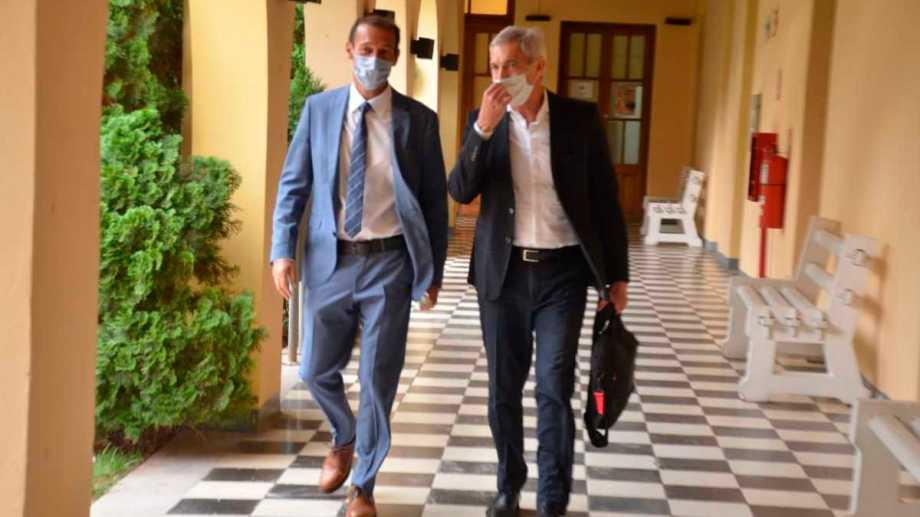 Gutiérrez y Pons esperan que la Legislatura apruebe el pedido de endeudamiento. (Archivo).-