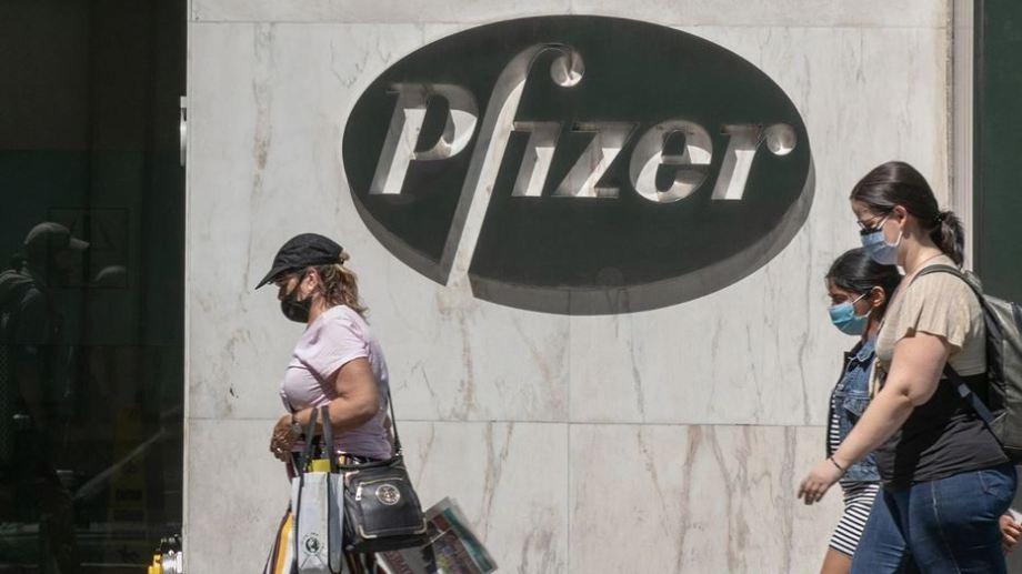 Pfizer desmintió a Patricia Bullrich y negó haber recibido un pedido de coimas del Gobierno.