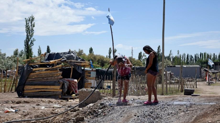 En los últimos dos meses se asentaron cuatro barrios irregulares en Cipolletti. (foto: Florencia Salto)