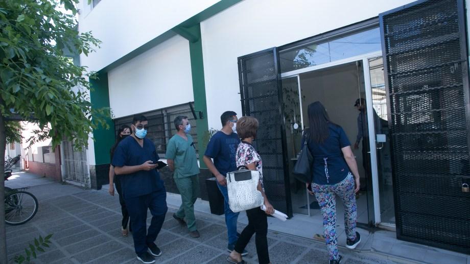 La delegación de Autoconvocados al llegar a la reunión con la gobernadora Carreras. Foto: Pablo Leguizamón.
