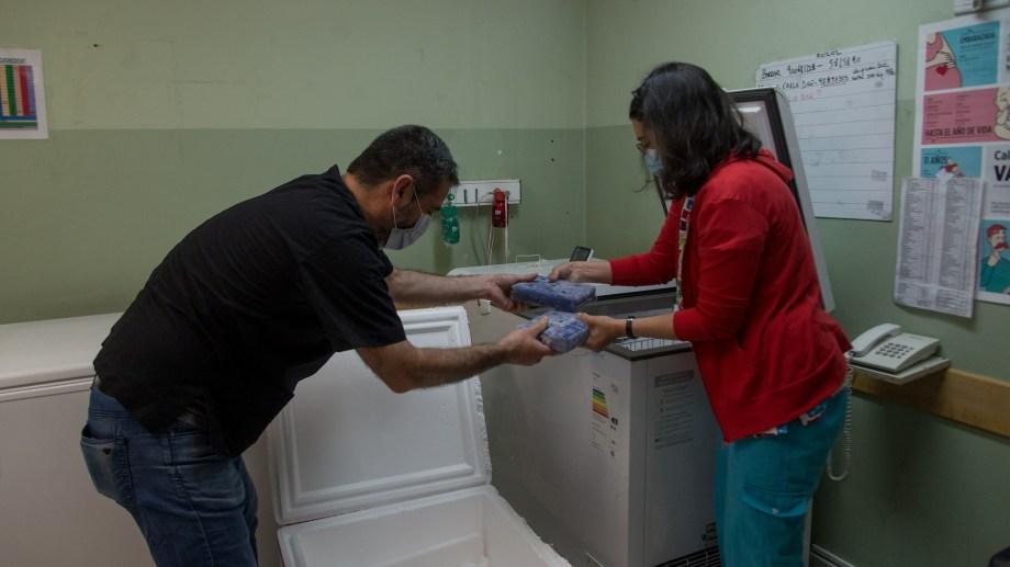 Las 450 dosis de la vacuna Sputnik V llegaron al Hospital Zonal Ramon Carrillo. Foto: Marcelo Martinez