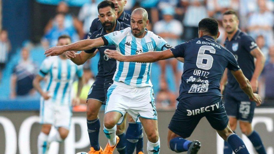 Racing abre la fase complementación contra Vélez.