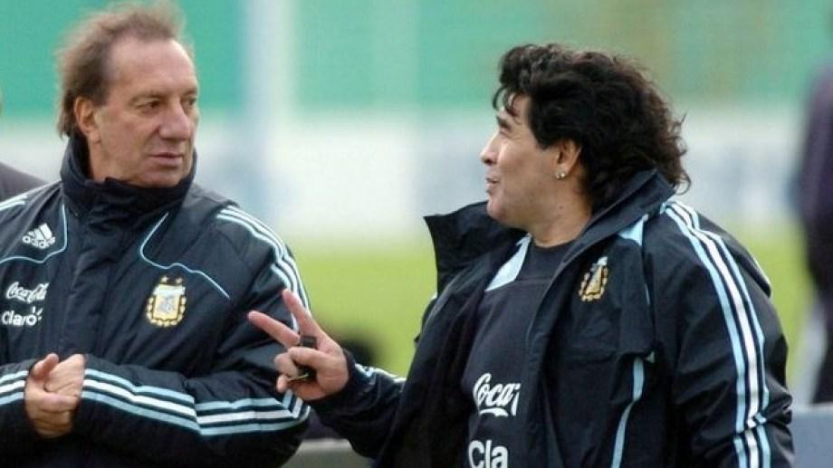 Bilardo, ¿el único hombre en la Tierra que no sabe que murió Maradona?