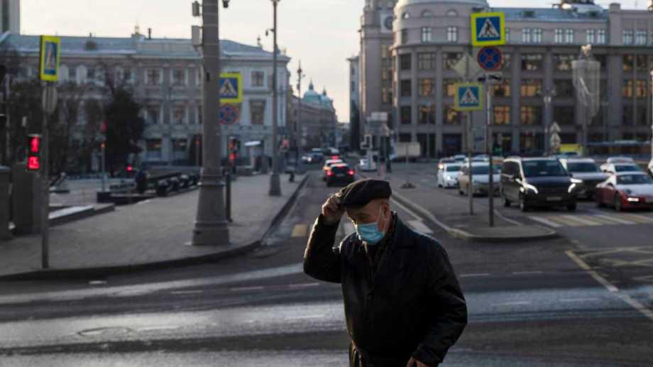 El covid 19 fue responsable del 81% del excedente de muertes en el último año en Rusia.