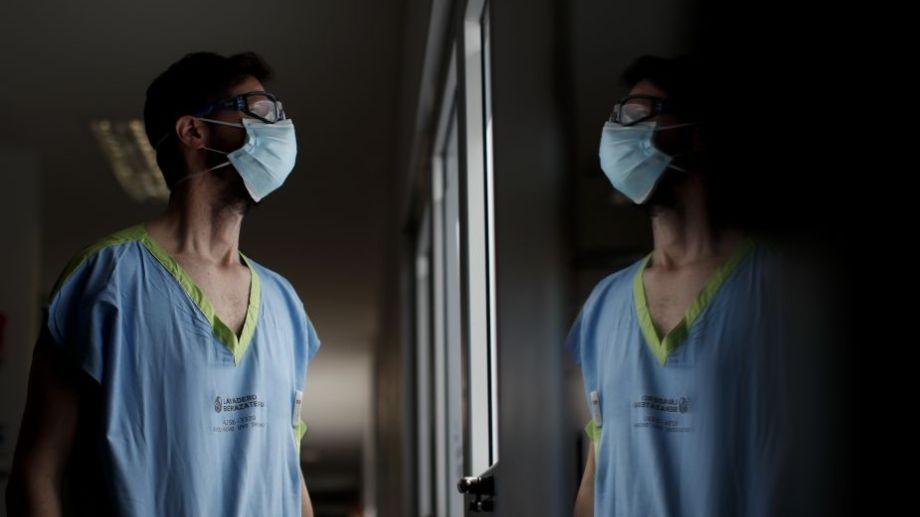 Hubo un leve descenso de los pacientes internados en terapia intensiva en el país.
