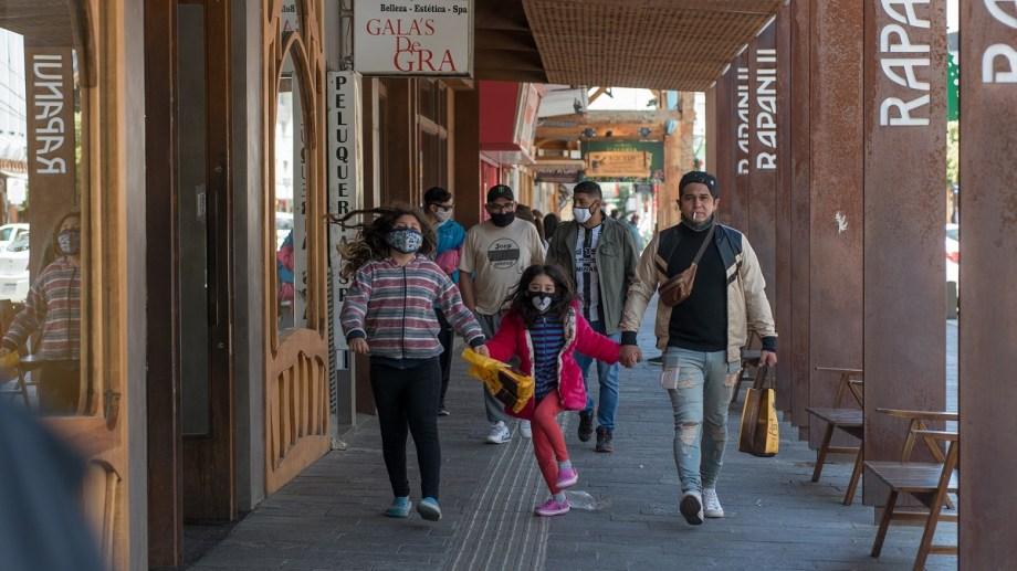 Ayer se sumaron 35 nuevos contagiados de coronavirus en Bariloche. Archivo