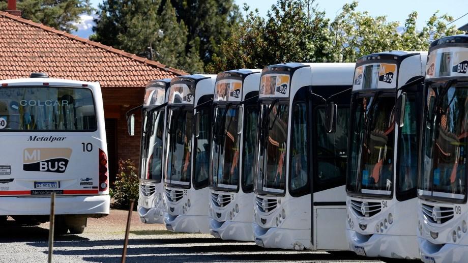 La empresa Mi Bus recibe cada mes millonarios aportes del municipio para prestar el servicio de transporte urbano en Bariloche. Archivo