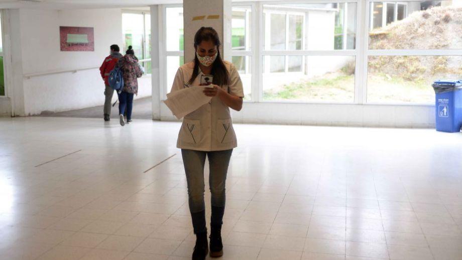 En Bariloche se estima que hay más de 5 mil personas aisladas porque son contactos estrechos de los 1.357 contagiados. (foto archivo)