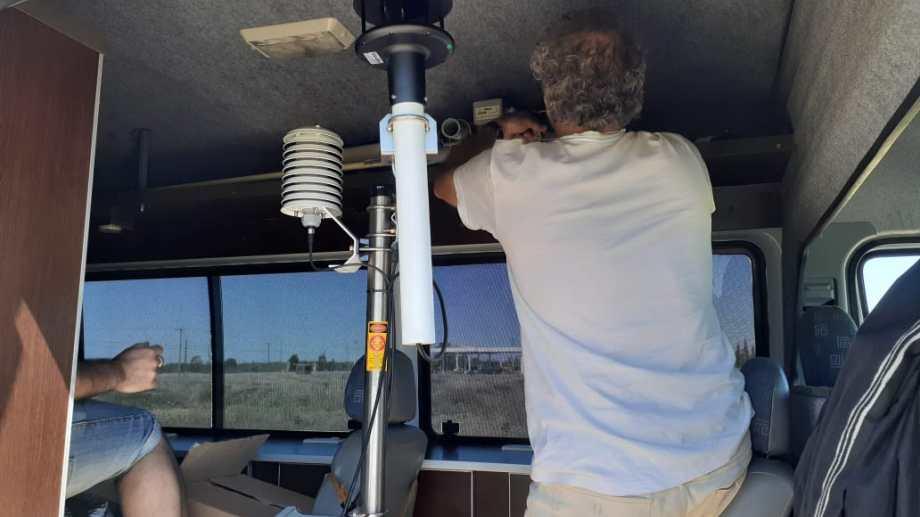 Un camión con instrumentos del Servicio Meteorológico Nacional está en Valcheta para colaborar con el estudio que se hará de la atmósfera durante el eclipse solar 2020