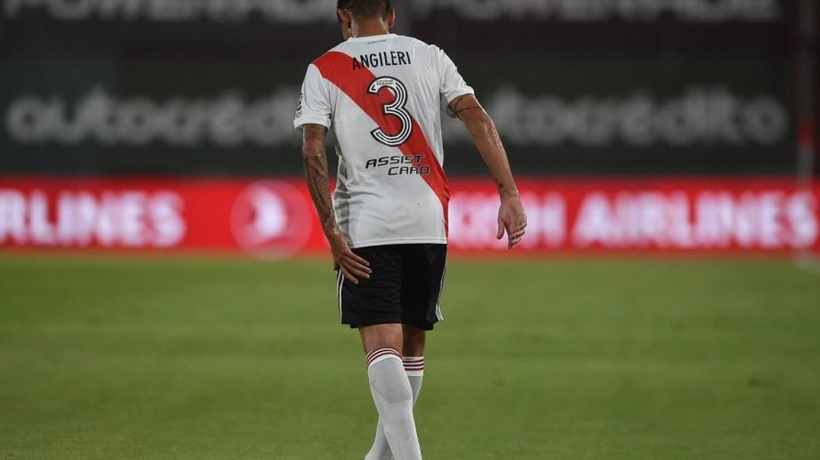 Se confirmó que Angileri sufrió un desgarro en el isquiotibial izquierdo. (Foto: @RiverPlate)