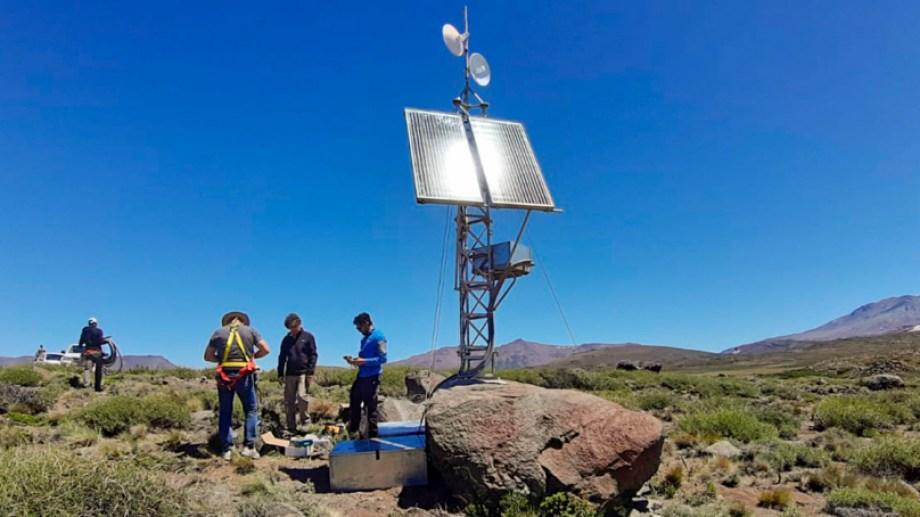 Los equipos instalados en  Caviahue-Copahue  forman parte de una red de monitoreo volcánico. Foto: Gentileza Neuquén Informa