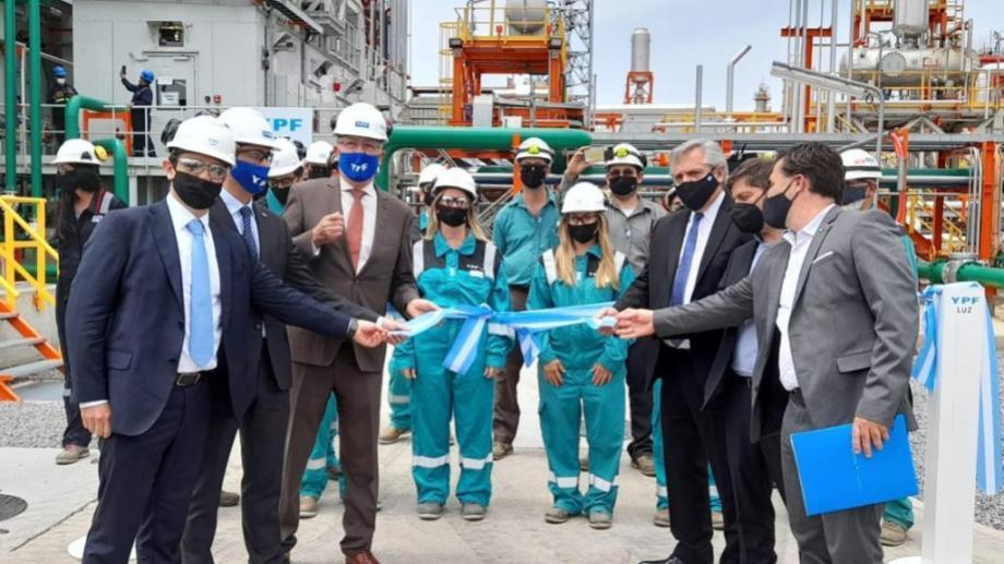 El presidente Alberto Fernández y el secretario de Energía Darío Martínez destacaron la necesidad de que YPF tenga un rol preponderante en la energía del país.