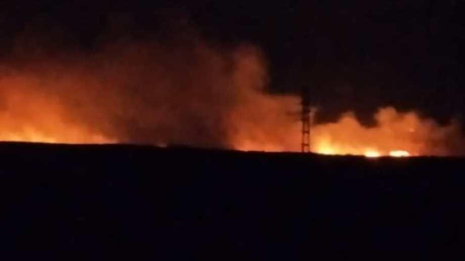 Tres rayos originaron el incendio en cercanías de Loncopué. Foto: Gentileza
