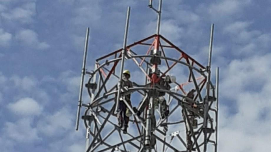 La antena se encuentra ubicada en el barrio Los Fresnos de Viedma.
