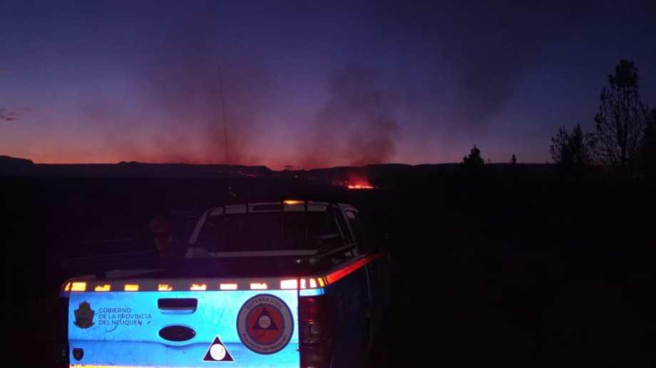 EL fuego en Loncopué  se originó por la caída de rayos. Foto: Gentileza