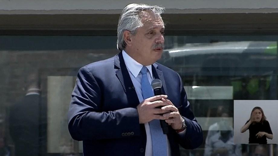 Alberto Fernández participó de un acto en la Unidad 58 del municipio bonaerense de Lomas de Zamora.