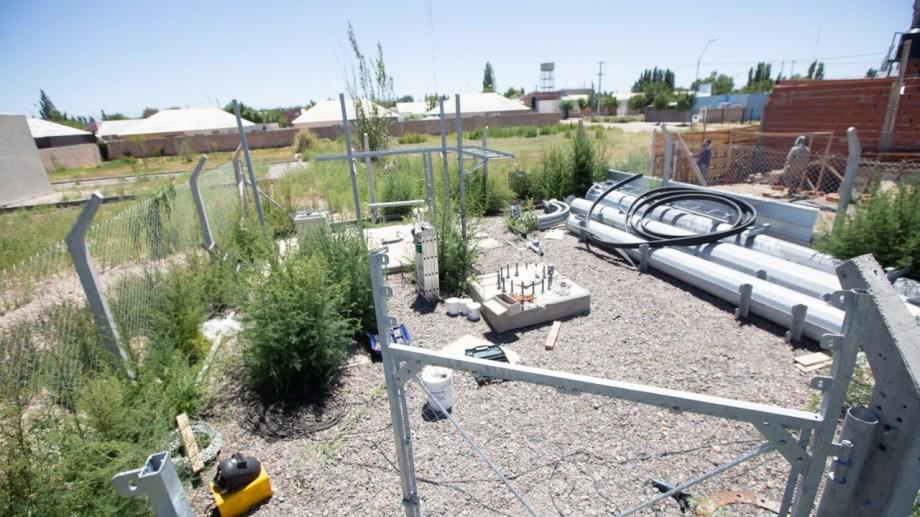 El conflicto comenzó en mayo cuando los vecinos observaron la construcción de la antena de telefonía. (foto: Juan Thomes)