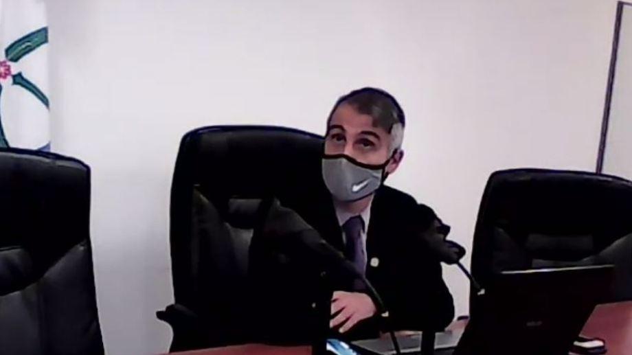 Piedrabuena está siendo investigado por el TSJ a raíz de su conducta el fin de semana. Foto captura de la audiencia virtual.