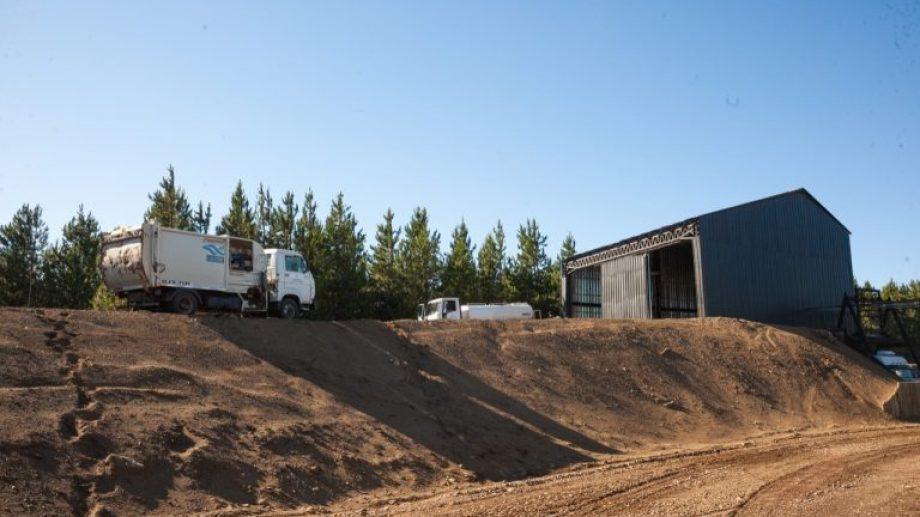 La transferencia de residuos en San  Martín de los Andes, se hace en un predio de una hectárea ubicado en Chapelco Chico.  Foto: Gentileza San Martín Informa