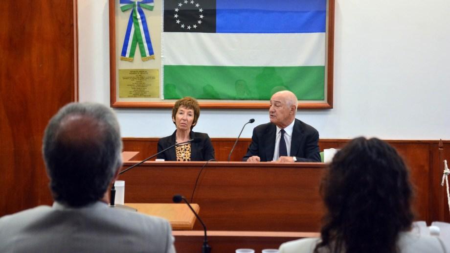 Zágari junto a su defensor, en la primera parte del juicio. Foto: Marcelo Ochoa.