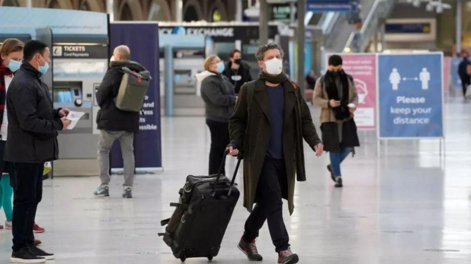 Irlanda, Austria, Alemania, Francia e Israel definieron en las últimas horas la suspensión de vuelos. Foto: France 24.-
