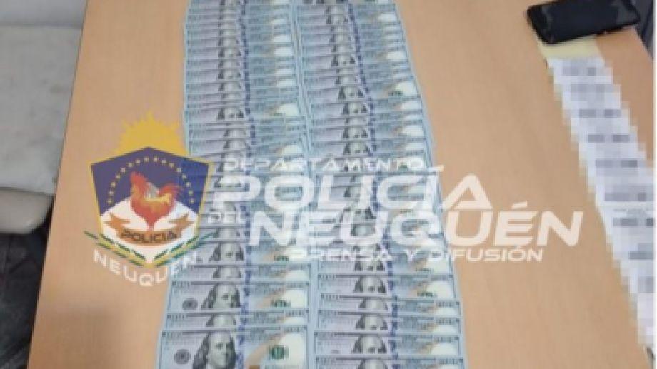 Ayer, la Policía realizó tres allanamientos y secuestro casi un millón de pesos, en el marco de una causa por licencias de conducir falsas. (Foto: Gentileza).