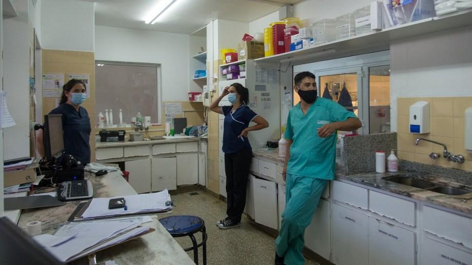 El hospital de Bariloche procesa más de 200 tests de PCR por día. Foto: archivo