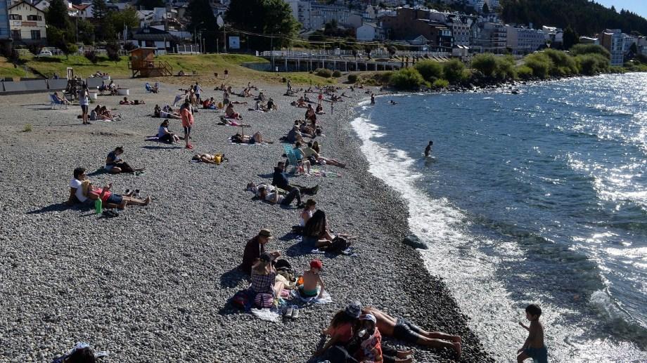 Los turistas del verano tuvieron un gasto promedio de 5.800 pesos  en Bariloche. Archivo