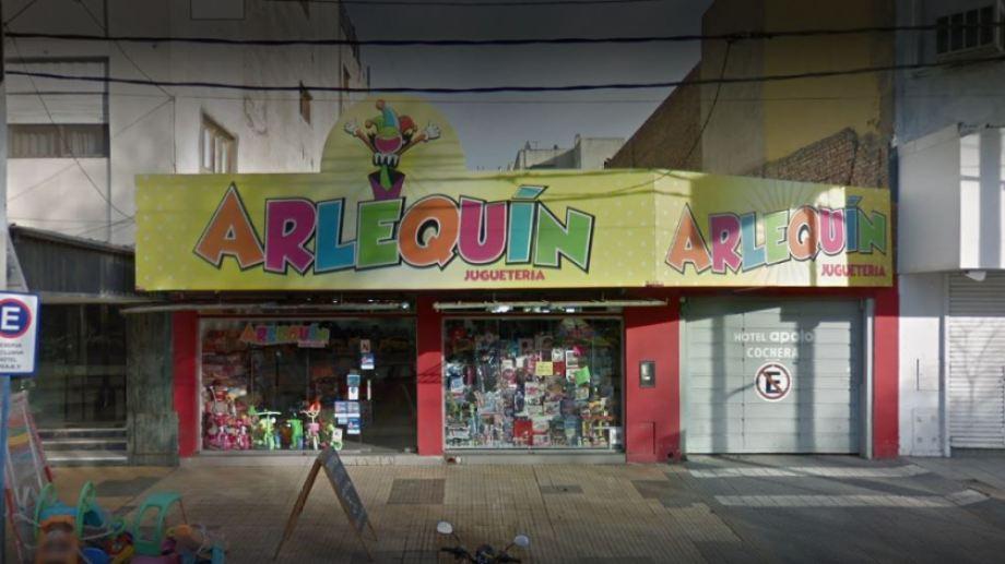 Desde la juguetería lamentaron tener que cerrar sus puertas después de 44 años. (Captura).-