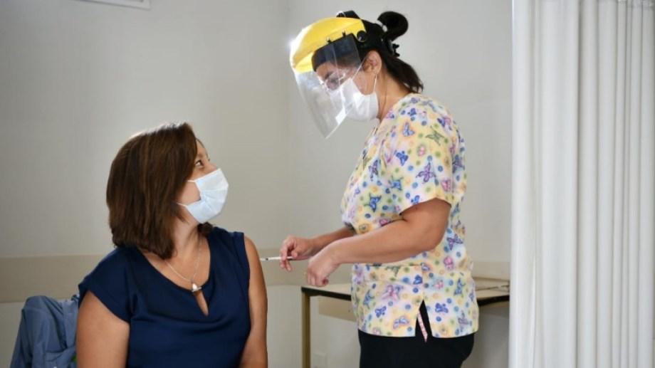 Carreras informó que se aplicó la primera dosis de la vacuna contra el coronavirus.
