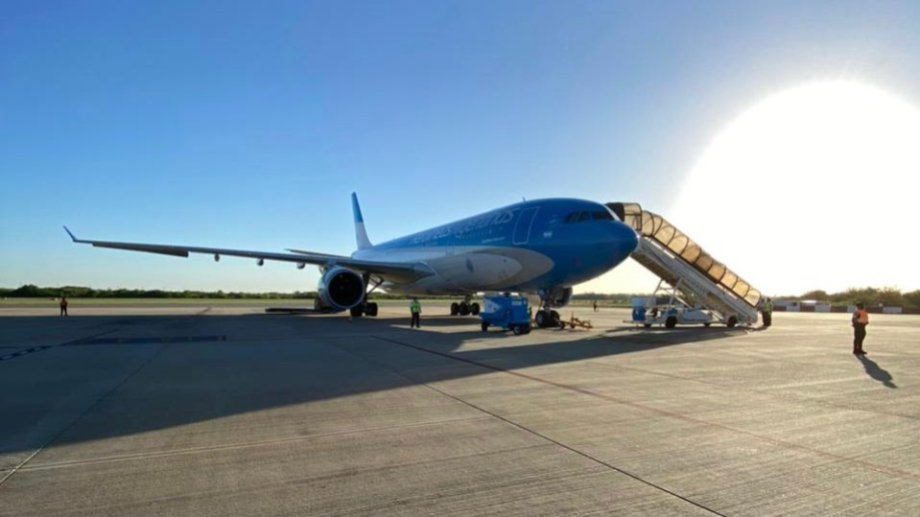 El avión que traerá las vacunas, aterrizó en Moscú al mediodía, hora de Argentina. (Gentileza).-