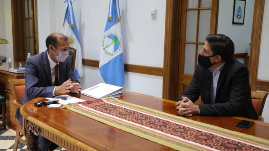 El anuncio de la convocatoria a docentes se realizó en la conferencia de Gutiérrez y Trotta. (Gentileza).-