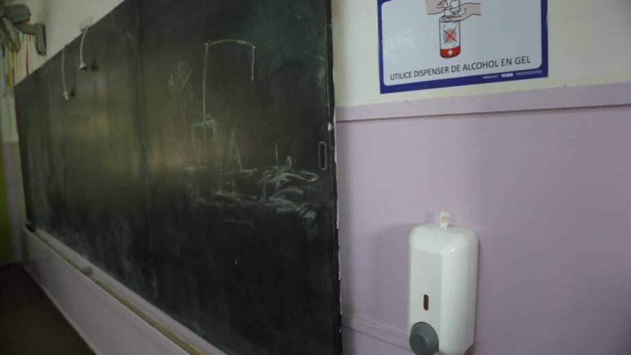 Ayer se hizo un recorrido para mostrar cómo funcionará el protocolo en las escuelas. (Gentileza).-