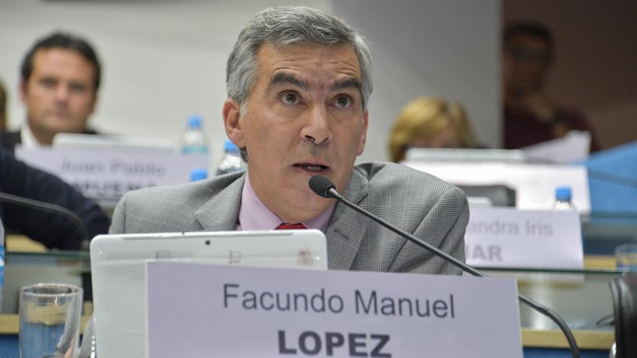 El bloque que conduce Facundo López salió al cruce de la propuesta del FdT.