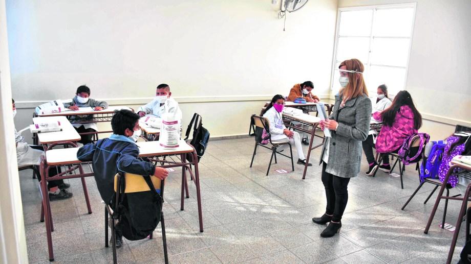 San Juan: Alumnos de todos los niveles regresan a las aulas, con estrictos protocolos sanitarios, en el marco de la pandemia Covid-19. Foto: Ruben Paratore/Télam/cgl 10082020