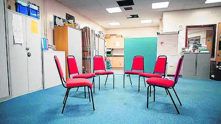 Los salones vacíos, una postal repetida en estos meses. Mientras tanto, las charlas se realizan de forma virtual, pero no son lo mismo.