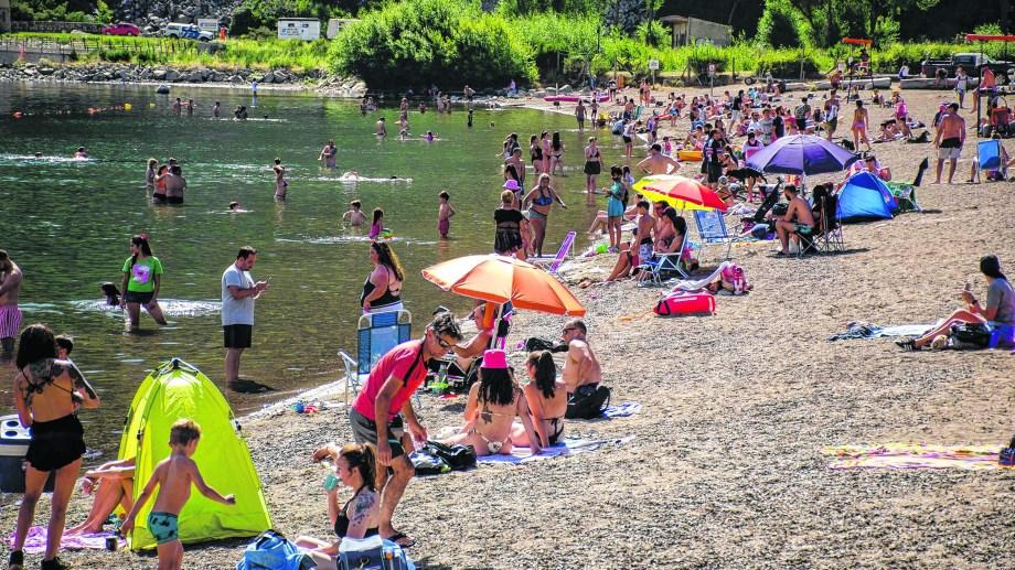 San Martín recibió gran cantidad de turistas durante la temporada pese a la pandemia. (Foto: Patricio Rodríguez)
