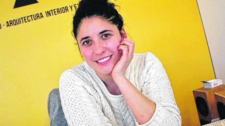 Antonella Vázquez desarrolla su proyecto en Roca.