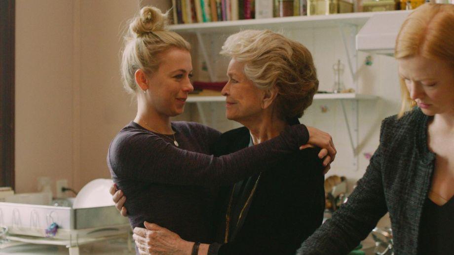 """Vanessa Kirby y Ellen Burstyn ofrecen actuaciones impecables en """"Fragmentos de una mujer""""."""
