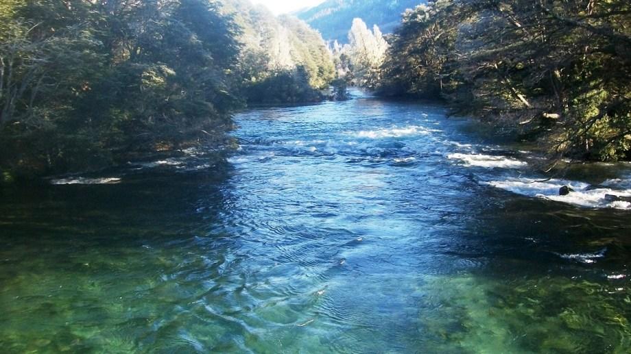 El río Manso es un curso de aguas rápidas de la cordillera. Archivo