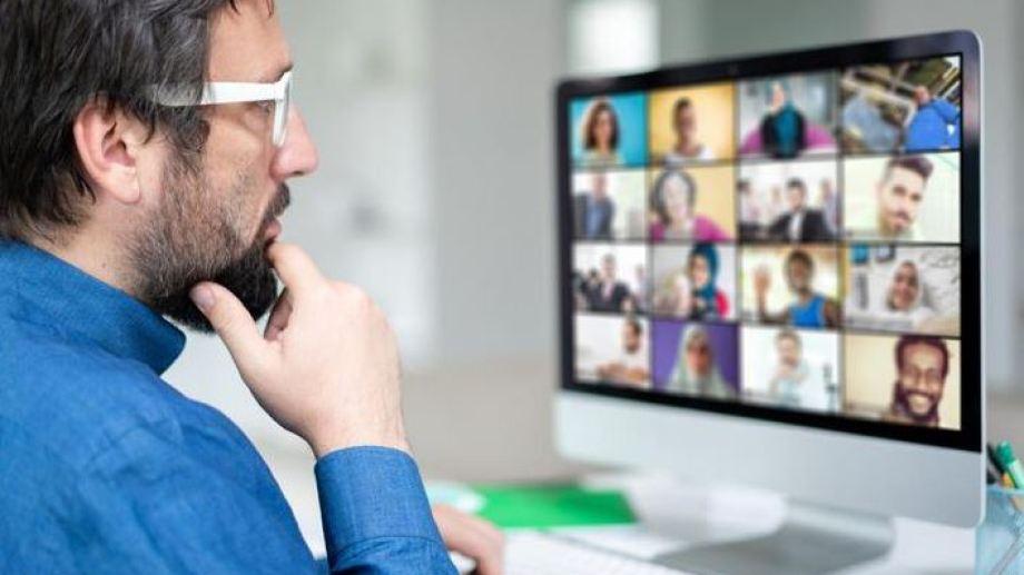 Los software de videollamadas fueron una de las primeras medidas que las empresas tomaron ante el panorama que se avecinaba allá por marzo.