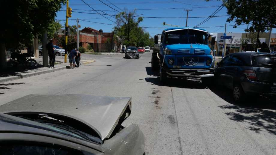El accidente ocurrió en Alsina y Buenos Aires. Foto: Juan Thomes