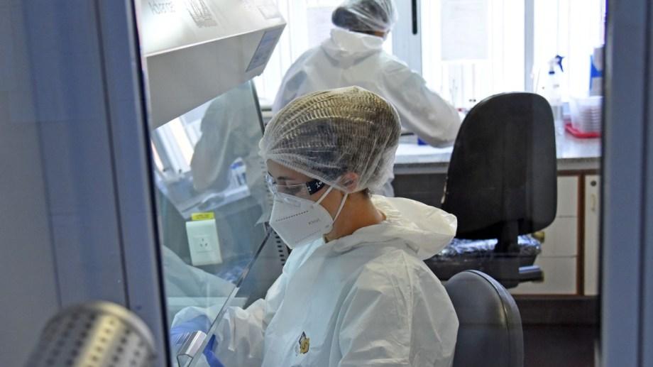 El hospital Castro Rendón procesa las pruebas que se hacen con los neokit. El sistema no se usa en otras ciudades de la provincia. Foto: Florencia Salto.
